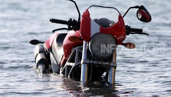 Ducati Monster mare salsedine