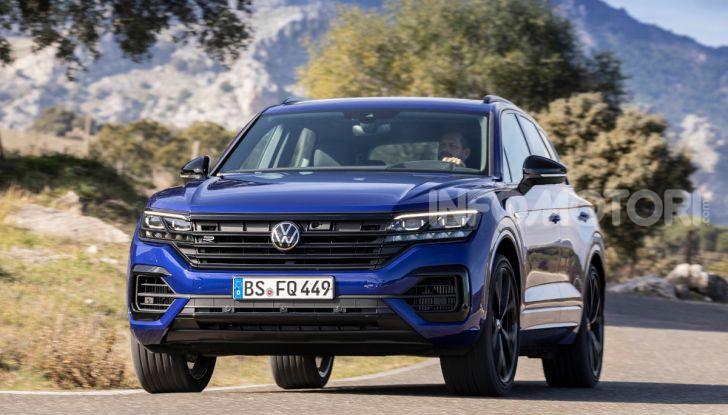 Volkswagen Touareg R 2020 in versione ibrida al Salone di Ginevra - Foto 2 di 12