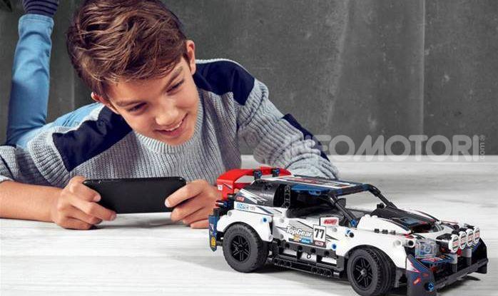 Auto da Rally Top Gear LEGO Technic telecomandata, 463 pezzi e tante funzioni - Foto 4 di 8