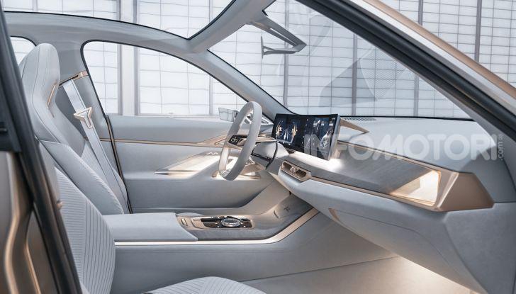 BMW Concept i4: la prima gran coupé 100% elettrica del brand tedesco - Foto 10 di 16