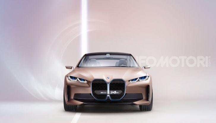 BMW Concept i4: la prima gran coupé 100% elettrica del brand tedesco - Foto 12 di 16