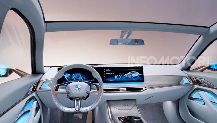 BMW Concept i4: la prima gran coupé 100% elettrica del brand tedesco - Foto 14 di 16