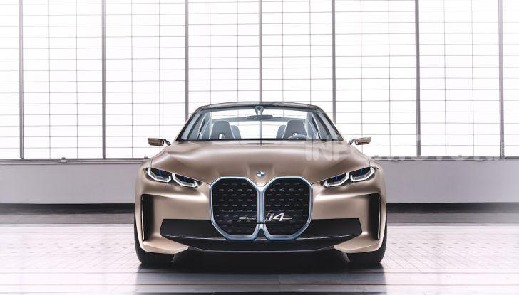 BMW Concept i4: la prima gran coupé 100% elettrica del brand tedesco - Foto 4 di 16