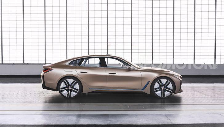 BMW Concept i4: la prima gran coupé 100% elettrica del brand tedesco - Foto 6 di 16