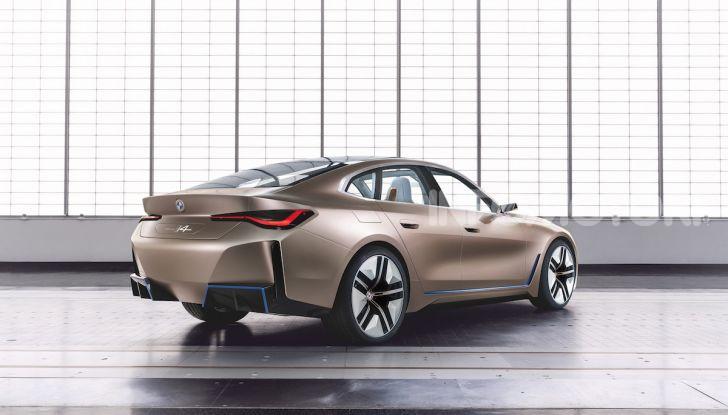 BMW Concept i4: la prima gran coupé 100% elettrica del brand tedesco - Foto 7 di 16