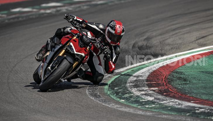 Ducati Streetfighter V4, la power naked dalla doppia personalità - Foto 9 di 16