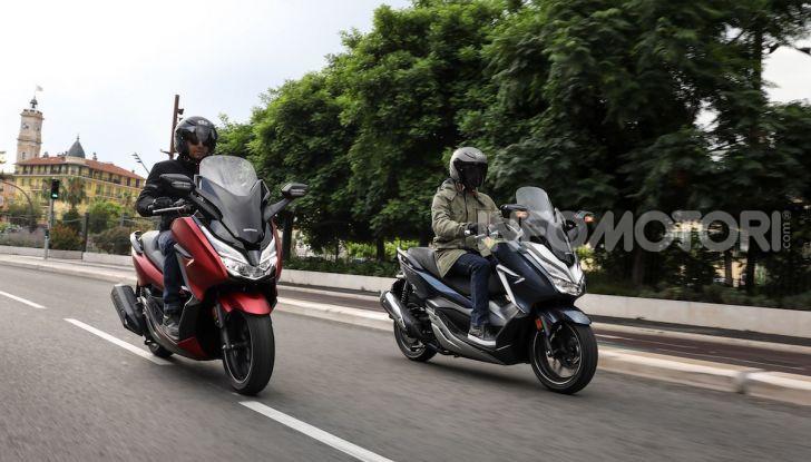 Honda Forza 300 2020 Limited Edition: look sportivo e praticità ai massimi livelli - Foto 10 di 23