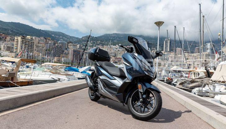 Honda Forza 300 2020 Limited Edition: look sportivo e praticità ai massimi livelli - Foto 20 di 23