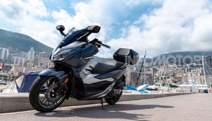 Honda Forza 300 2020 Limited Edition: look sportivo e praticità ai massimi livelli - Foto 21 di 23