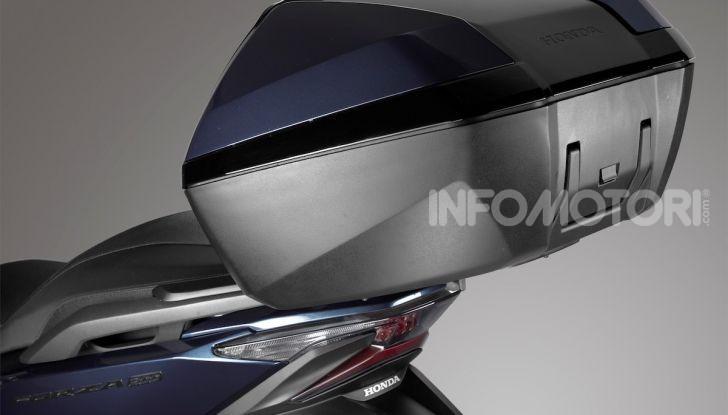 Honda Forza 300 2020 Limited Edition: look sportivo e praticità ai massimi livelli - Foto 5 di 23
