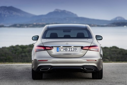 Mercedes Classe E 2020: allestimenti, motori e prezzi - Foto 14 di 19