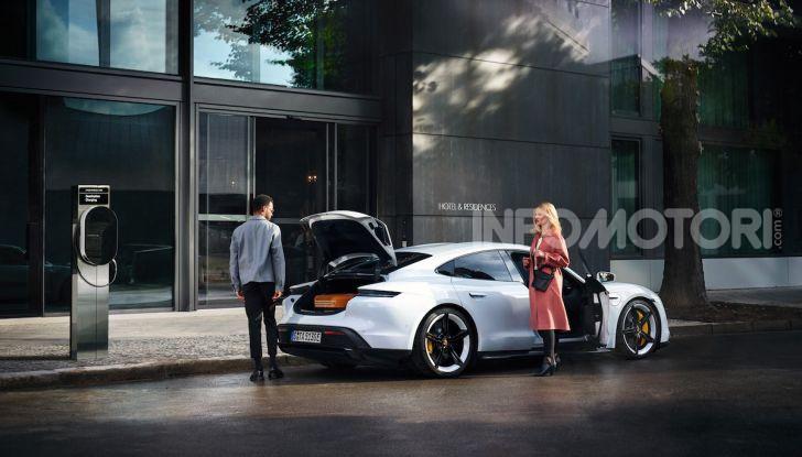 Porsche Destination Charging: il sistema di ricarica gratis per i clienti del marchio tedesco - Foto 3 di 3