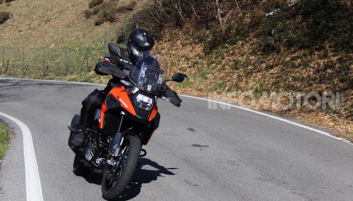 Test Ride Suzuki V-Strom 1050XT: la crossover che ama l'asfalto e non disdegna l'off-road - Foto 20 di 42