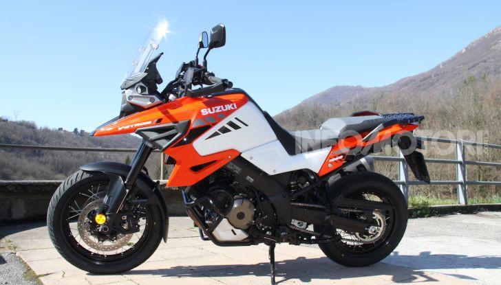Test Ride Suzuki V-Strom 1050XT: la crossover che ama l'asfalto e non disdegna l'off-road - Foto 24 di 42