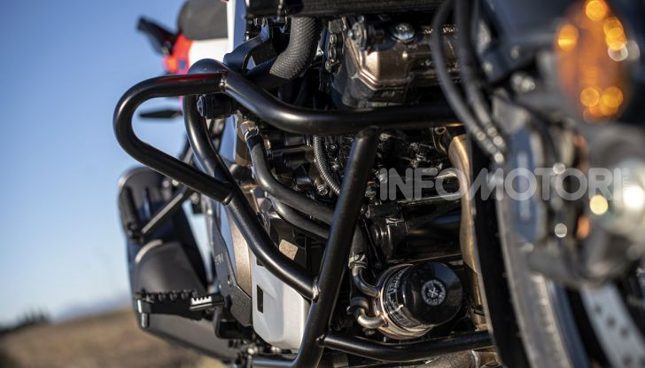 Test Ride Suzuki V-Strom 1050XT: la crossover che ama l'asfalto e non disdegna l'off-road - Foto 39 di 42