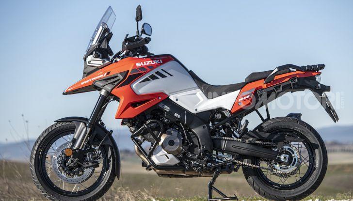 Test Ride Suzuki V-Strom 1050XT: la crossover che ama l'asfalto e non disdegna l'off-road - Foto 40 di 42
