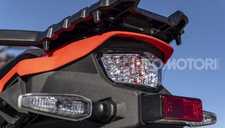 Test Ride Suzuki V-Strom 1050XT: la crossover che ama l'asfalto e non disdegna l'off-road - Foto 41 di 42