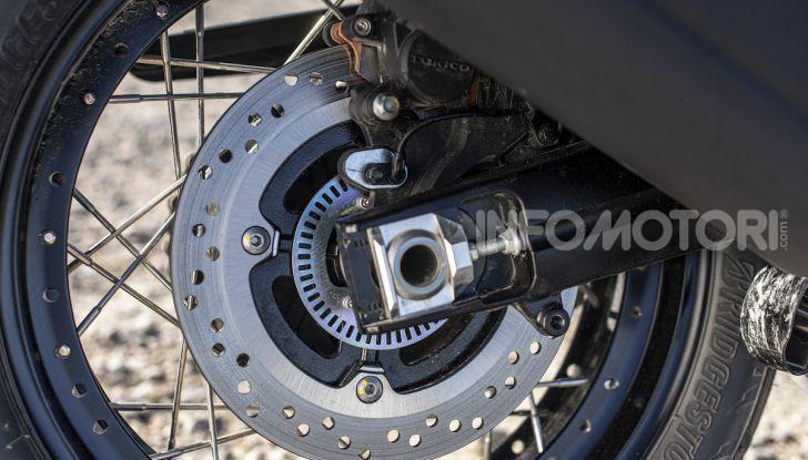 Test Ride Suzuki V-Strom 1050XT: la crossover che ama l'asfalto e non disdegna l'off-road - Foto 42 di 42