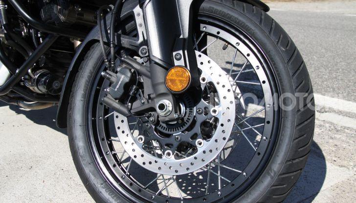 Test Ride Suzuki V-Strom 1050XT: la crossover che ama l'asfalto e non disdegna l'off-road - Foto 6 di 42