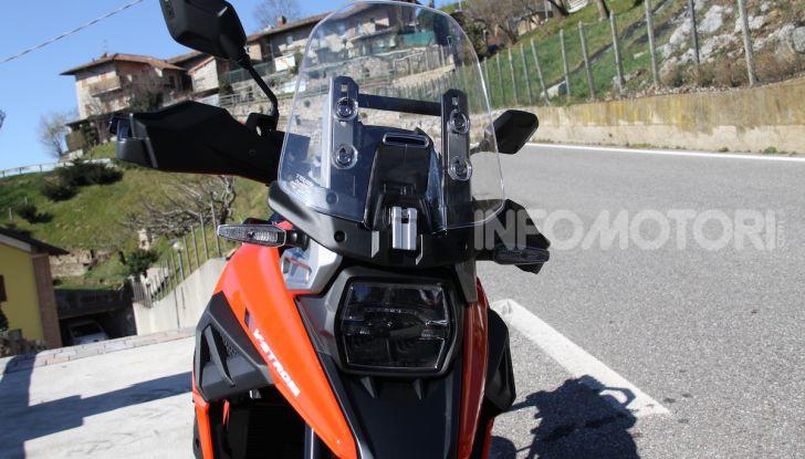 Test Ride Suzuki V-Strom 1050XT: la crossover che ama l'asfalto e non disdegna l'off-road - Foto 7 di 42