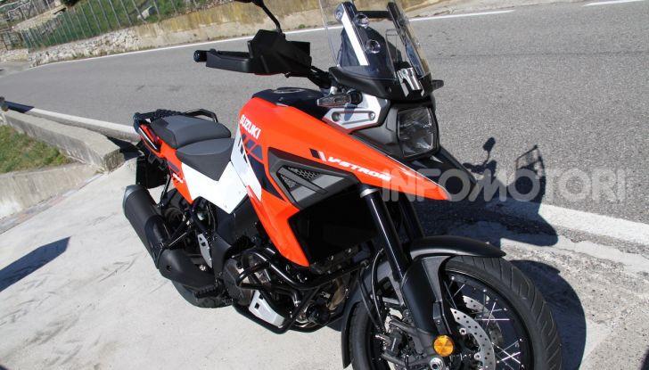 Test Ride Suzuki V-Strom 1050XT: la crossover che ama l'asfalto e non disdegna l'off-road - Foto 8 di 42