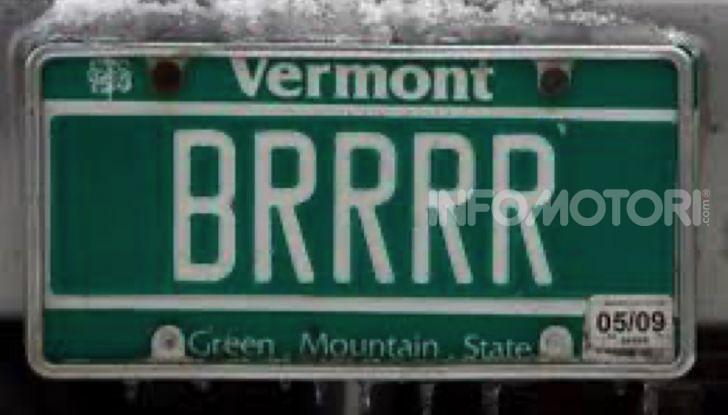 Targhe auto personalizzate, nel Vermont arrivano quelle con le Emoji - Foto 2 di 15