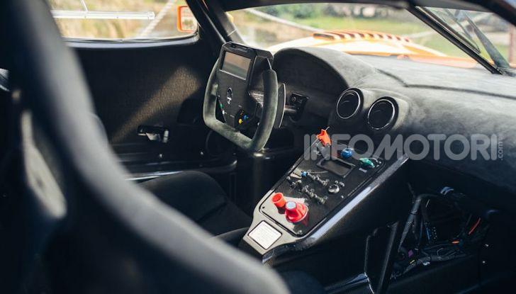 Maserati MC12 Corsa: in vendita uno dei soli 12 esemplari costruiti - Foto 11 di 18
