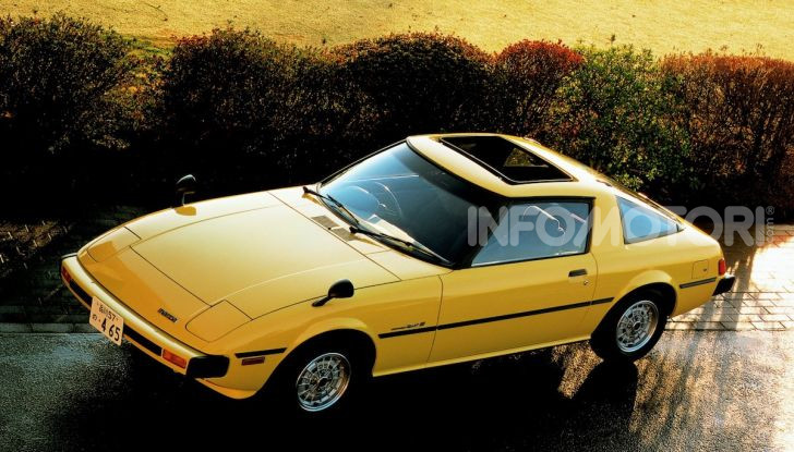 Mazda RX-7: dal 1978 sinonimo di gioia di guidare e leggerezza - Foto 4 di 6