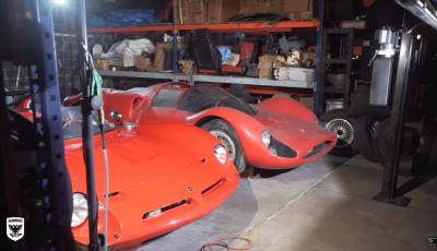 Porsche, Ferrari e Lamborghini: scoperta una collezione di 300 auto abbandonate negli USA