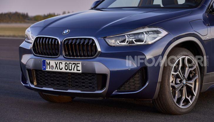 BMW X2 xDrive 25e: la prima Sports Activity Coupé con motore ibrido plug-in - Foto 30 di 34