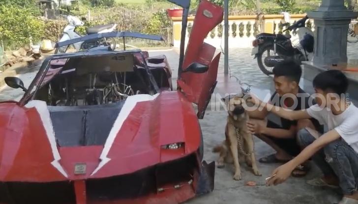 Dal Vietnam arriva la Ferrari FXX K Evo di cartone - Foto 1 di 10