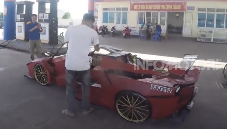 Dal Vietnam arriva la Ferrari FXX K Evo di cartone - Foto 6 di 10