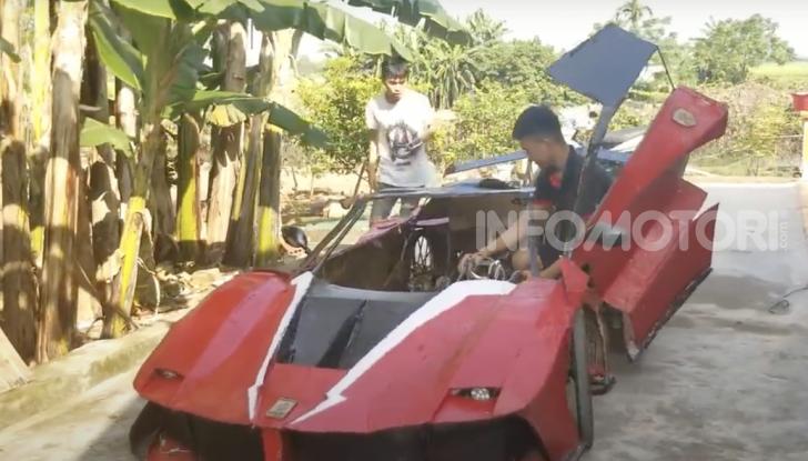 Dal Vietnam arriva la Ferrari FXX K Evo di cartone - Foto 8 di 10