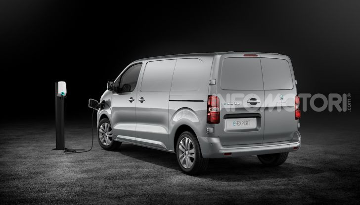 Peugeot e-Expert: elettrico, capiente e potente - Foto 10 di 21