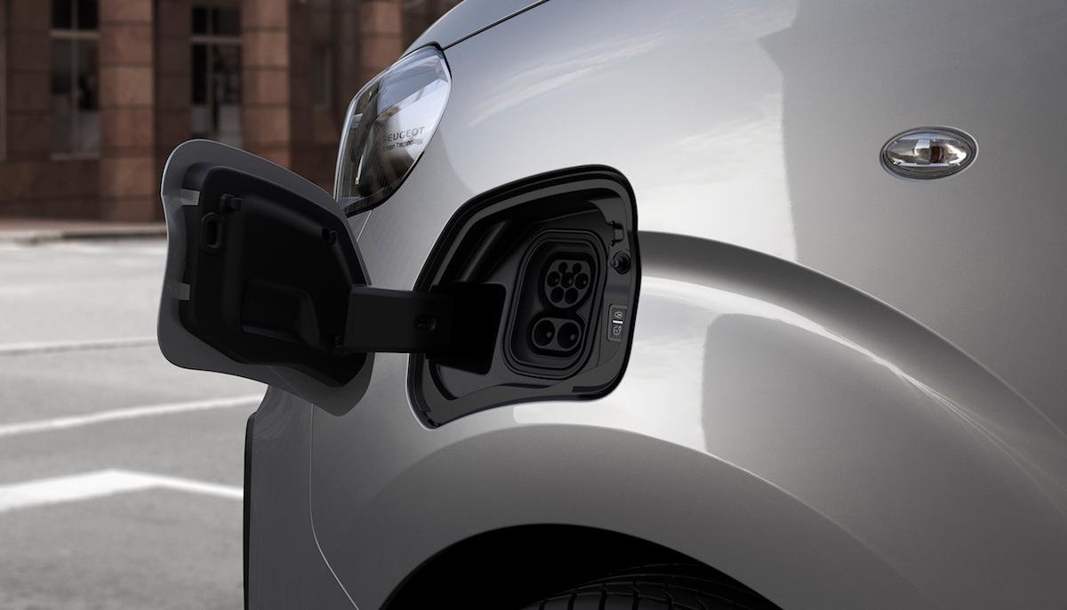 Peugeot e-Expert elettrico capiente e potente - Infomotori