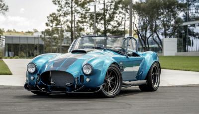 Nuova Shelby Cobra, replica ufficiale di Superperformance