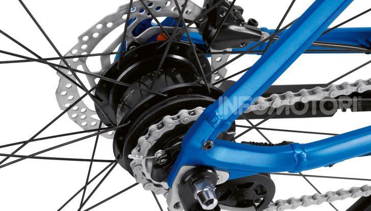 BMW e Mini firmano una nuova linea di monopattini, bici ed e-bike - Foto 11 di 21
