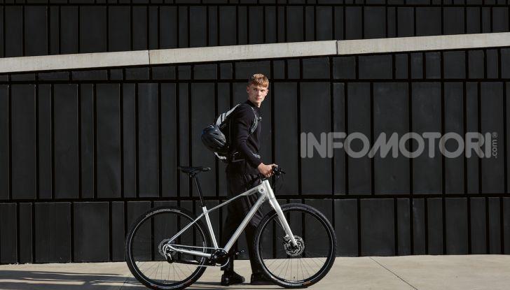 BMW e Mini firmano una nuova linea di monopattini, bici ed e-bike - Foto 15 di 21