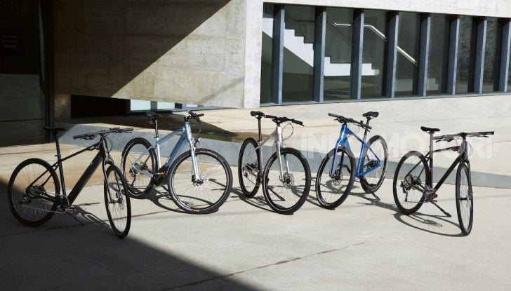 BMW e Mini firmano una nuova linea di monopattini, bici ed e-bike - Foto 18 di 21