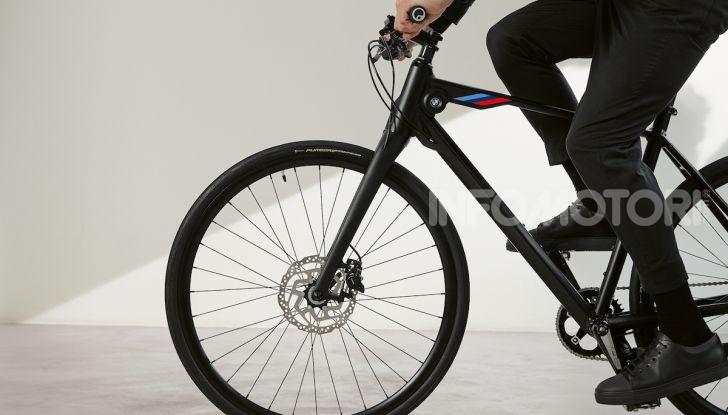 BMW e Mini firmano una nuova linea di monopattini, bici ed e-bike - Foto 19 di 21