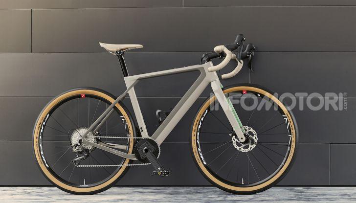 BMW e Mini firmano una nuova linea di monopattini, bici ed e-bike - Foto 20 di 21