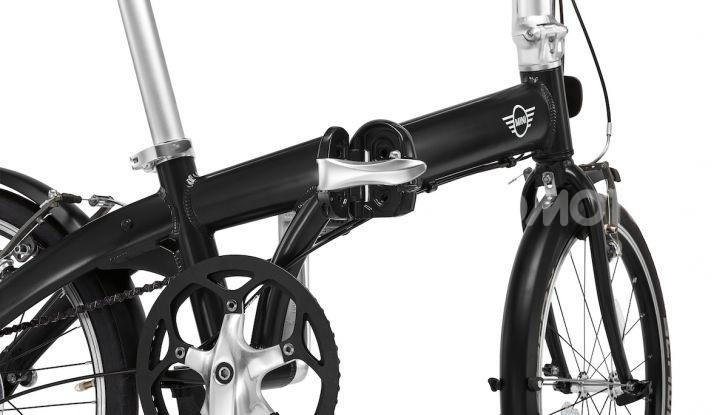 BMW e Mini firmano una nuova linea di monopattini, bici ed e-bike - Foto 5 di 21