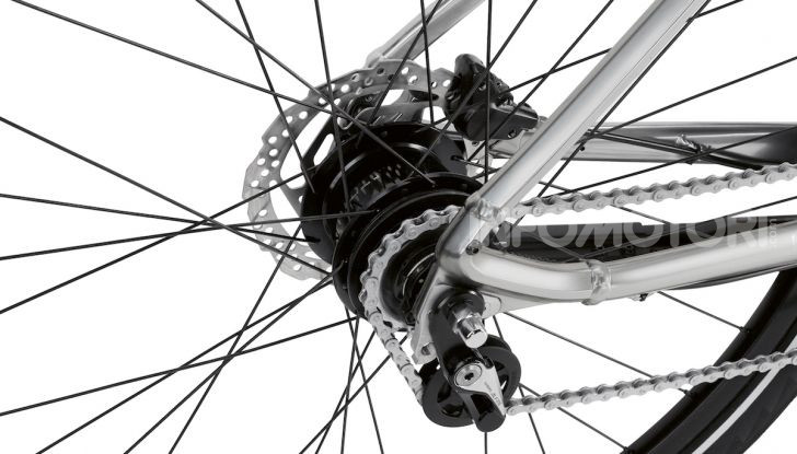 BMW e Mini firmano una nuova linea di monopattini, bici ed e-bike - Foto 9 di 21