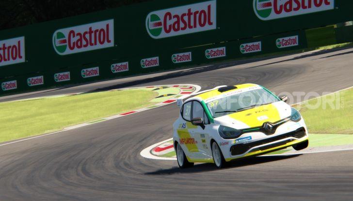 Infomotori al via della Clio Cup eSport Series 2020 - Foto 1 di 8