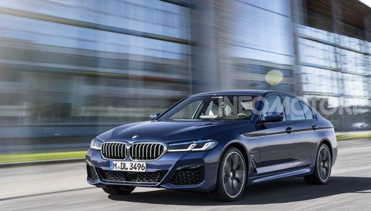 Nuova BMW Serie 5 2020: look sportivo e interni raffinati - Foto 1 di 32
