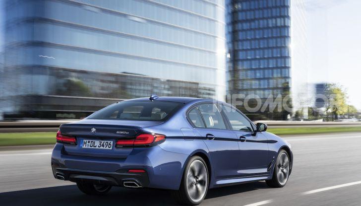 Nuova BMW Serie 5 2020: look sportivo e interni raffinati - Foto 2 di 32