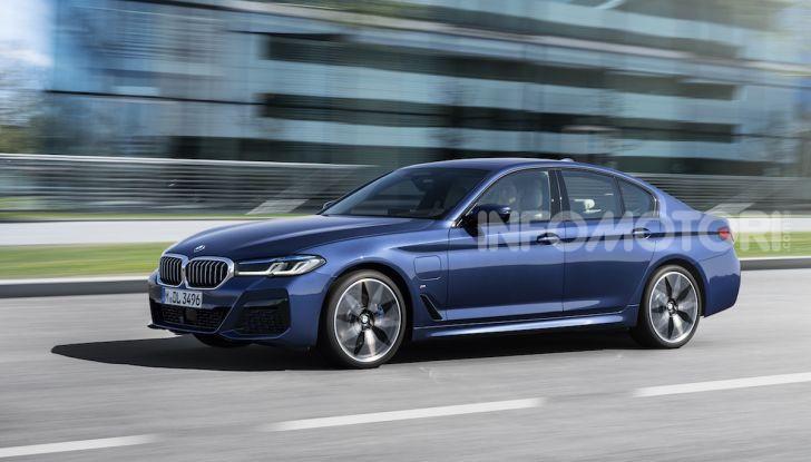 Nuova BMW Serie 5 2020: look sportivo e interni raffinati - Foto 3 di 32