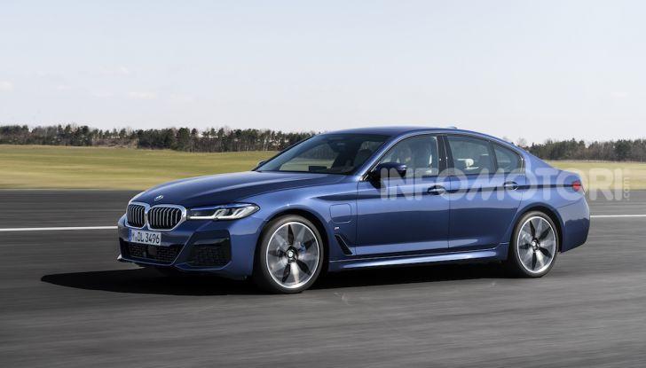 Nuova BMW Serie 5 2020: look sportivo e interni raffinati - Foto 5 di 32