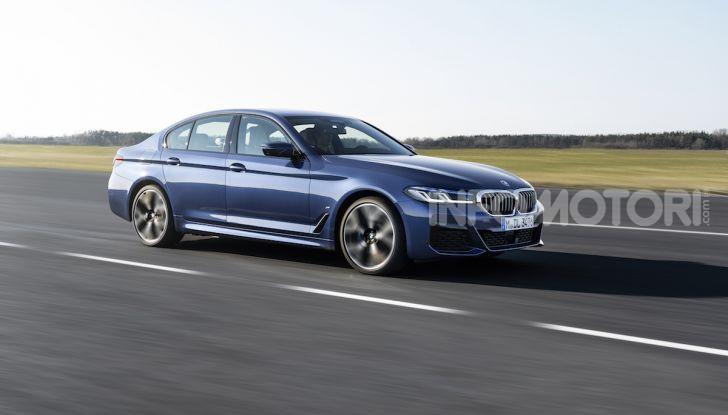 Nuova BMW Serie 5 2020: look sportivo e interni raffinati - Foto 6 di 32