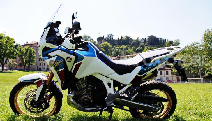 Prova Honda Africa Twin 1100 Adventure Sports: regina su strada e off-road - Foto 1 di 20